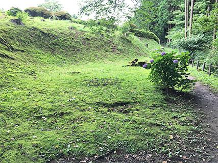 山中城 構築途中の曲輪跡